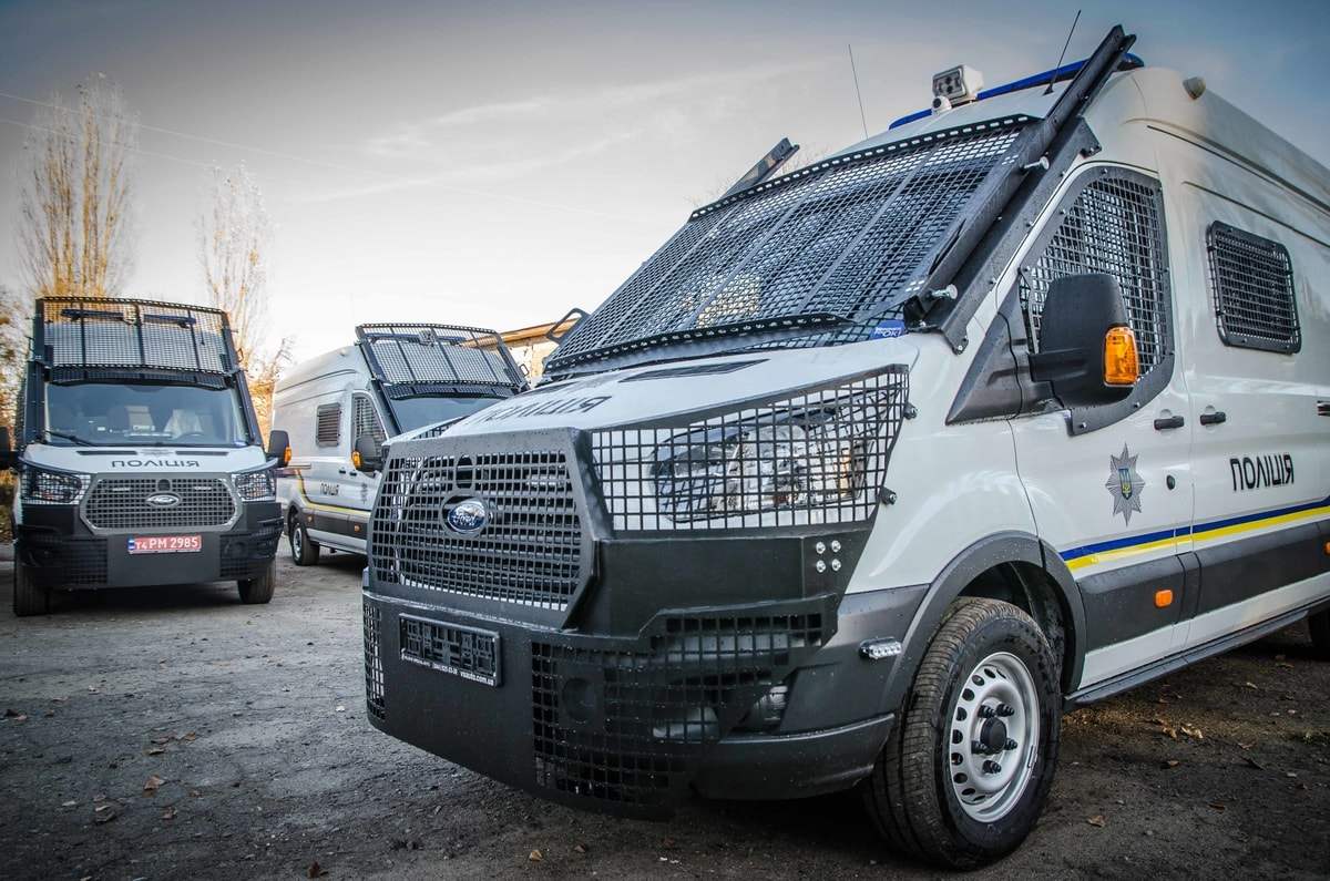 Cars for special purpose of the National Police Ford Transit